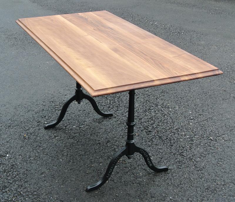Beizentisch nussbaum schreinerei stephan k lin for Tisch mit marmorplatte gebraucht